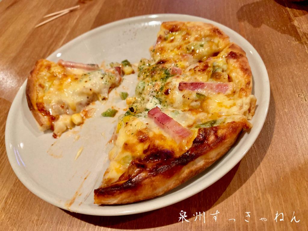 たなぼたキッチンのピザ